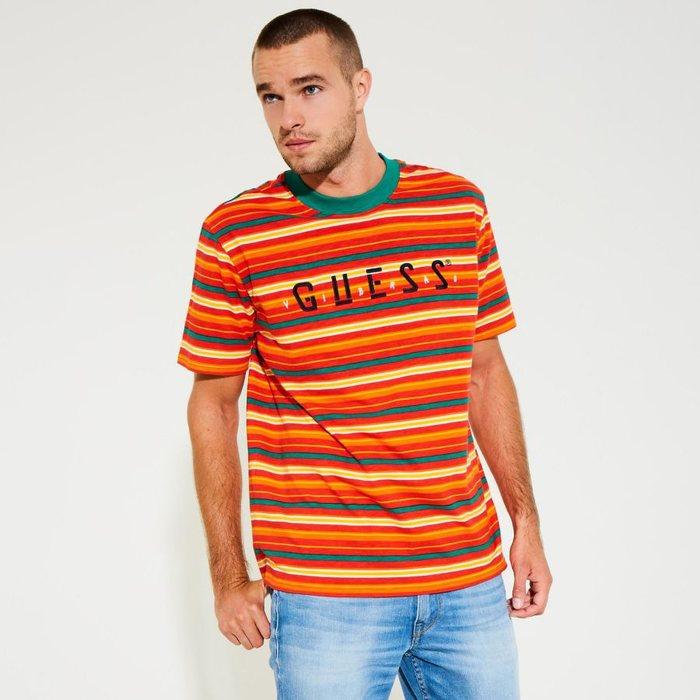画像1: GUESS x J BALVIN   Oversized Stripe Logo Tee (1)